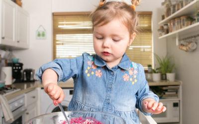 Ciastoterapia – o tym jak pieczenie ciasta wpływa korzystnie na rozwój dziecka