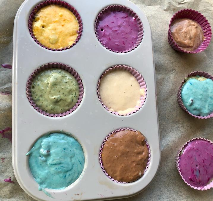 Kolorowe muffinki bez cukru